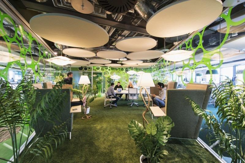 Fasilitas kantor bernuansa alam